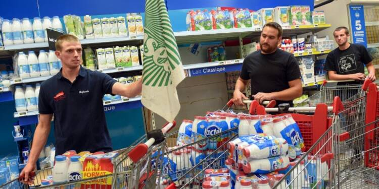 Crise du lait: des produits Lactalis retirés des rayons dans un supermarché du Nord