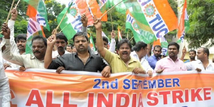 Inde: des millions de grévistes contre les privatisations