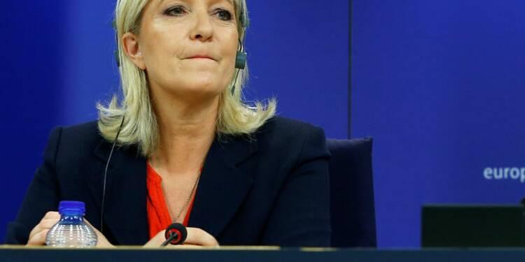 """COR-Le Pen qualifie sa convocation par les juges de """"petite bagarre"""""""