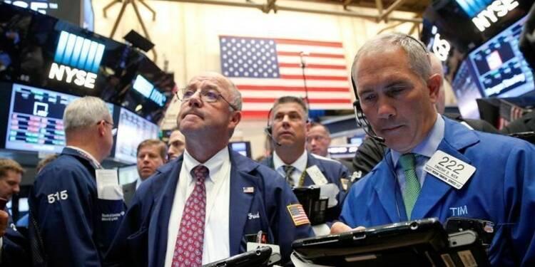 Wall Street freinée par l'incertitude politique et monétaire