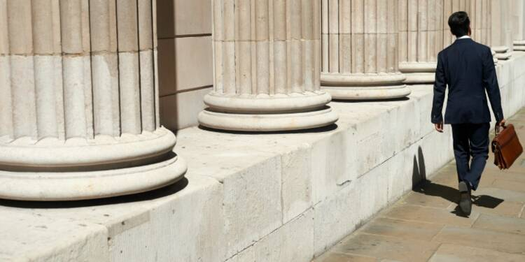 ccd35529a0540 Pour un job dans la City, éviter les chaussures marron - Capital.fr