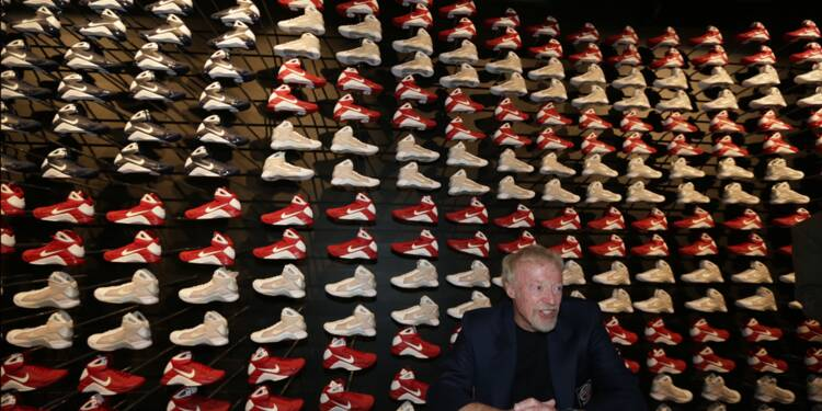 "Phil Knight (né en 1938), Nike : il a eu l'idée de payer des stars pour dire ""Just do it"""