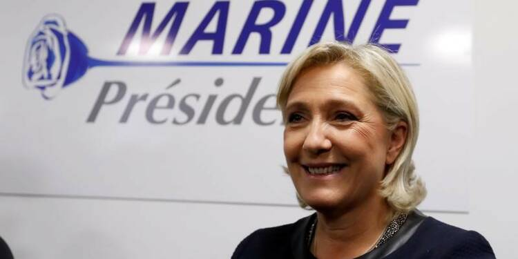Marine Le Pen donne le ton de sa campagne présidentielle