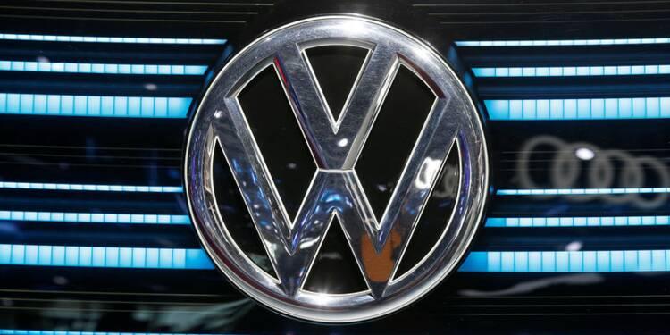 VW vise des baisses de coûts de 3,7 milliards d'euros d'ici 2021