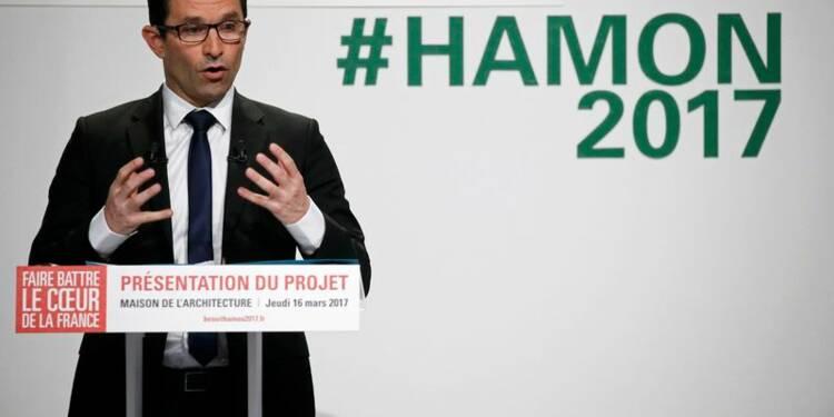 Hamon renvoie Fillon et Macron dos à dos