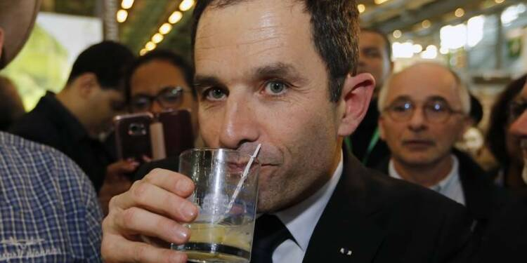 L'attraction Macron s'ancre au PS, Hamon cherche du souffle