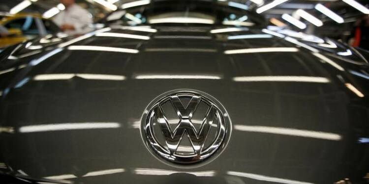 Volkswagen envisage des mesures contre Piëch
