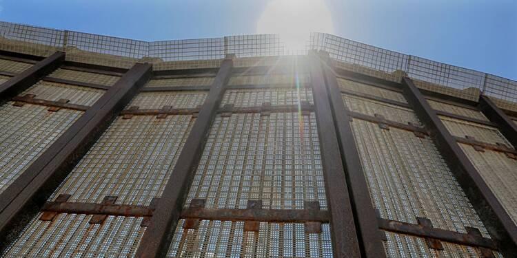 A votre avis, Lafarge a-t-il raison de participer à la construction du mur de Trump ?