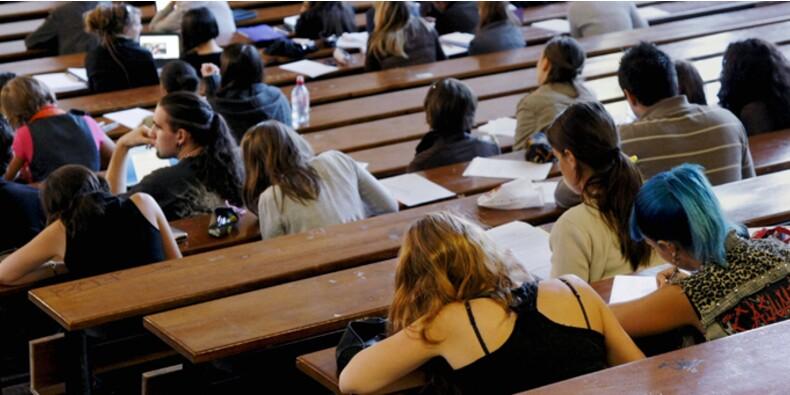 De plus en plus de jeunes contraints de travailler pour financer leurs études