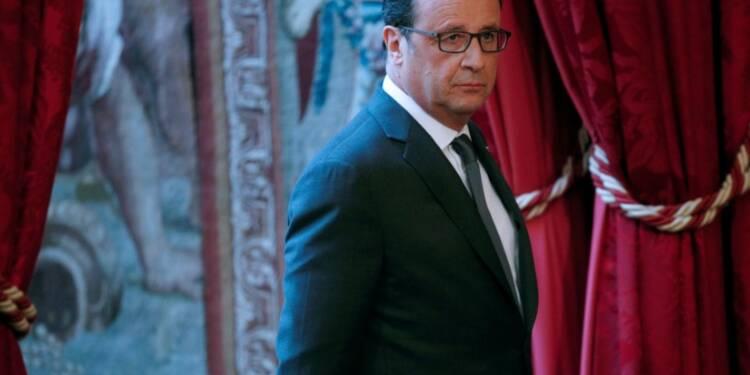Hollande gagne un point dans le baromètre Ifop, Valls stable