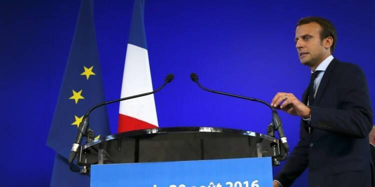 Le départ de Macron accentue l'isolement de François Hollande