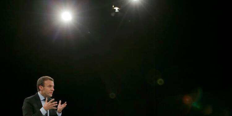 La majorité tire à boulets rouges sur Macron