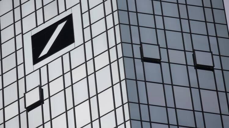 Deutsche Bank vend Abbey Life à Phoenix, un premier bol d'air