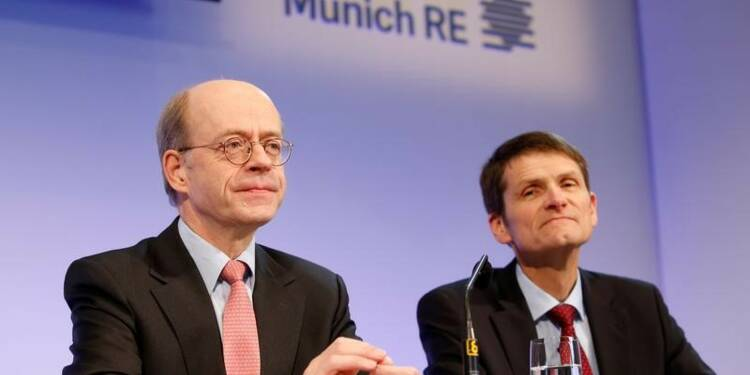 Munich Re anticipe un bénéfice 2017 en baisse