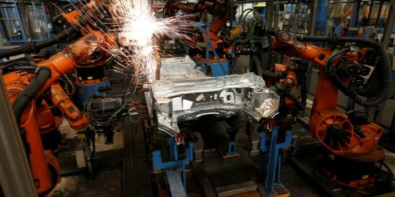 Les commandes à l'industrie repartent lentement en Allemagne