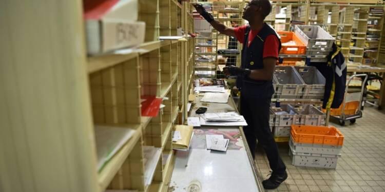 """""""Mal-être"""" des postiers: La Poste suspend ses projets de réorganisation"""