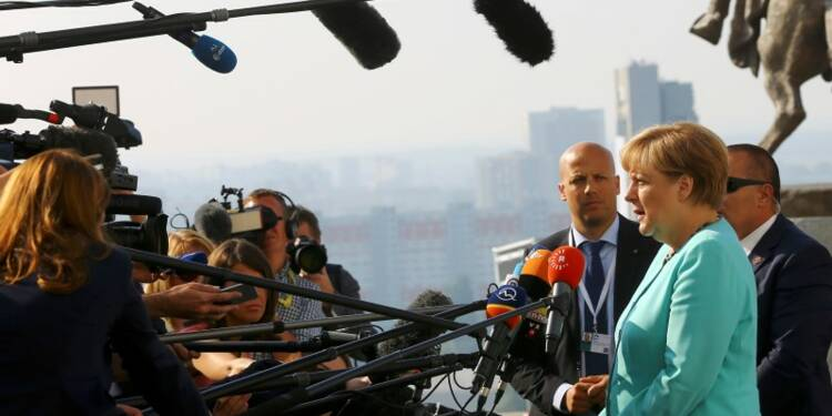 L'Europe dans une situation critique, dit Angela Merkel