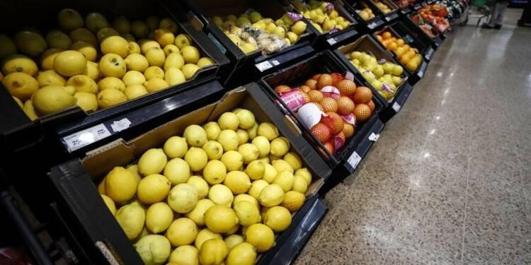 Distribution de fruits gratuits grâce au trafic de drogue