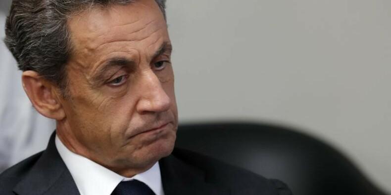 """A Bordeaux, Sarkozy réprouve """"l'identité heureuse"""" de Juppé"""