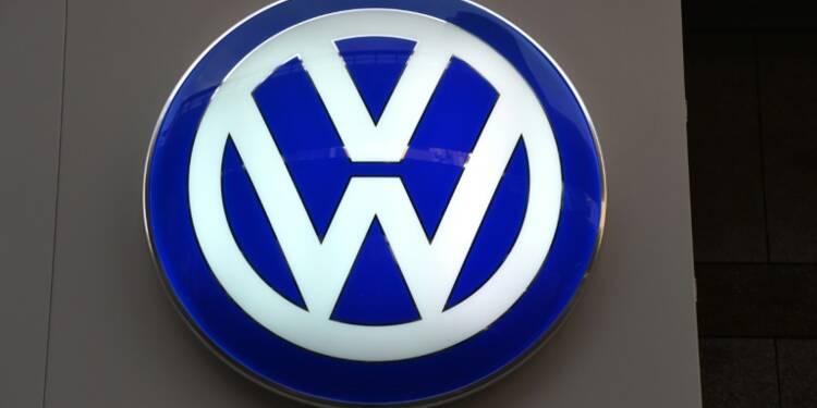 Volkswagen à couteaux tirés avec deux fournisseurs