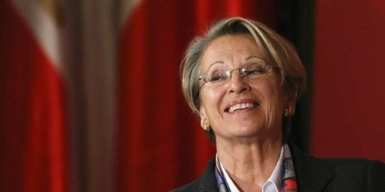 """Michèle Alliot-Marie réfléchit à un """"projet présidentiel"""""""