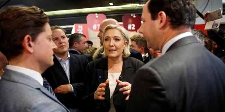 Le Pen pour une taxation des contrats d'étrangers