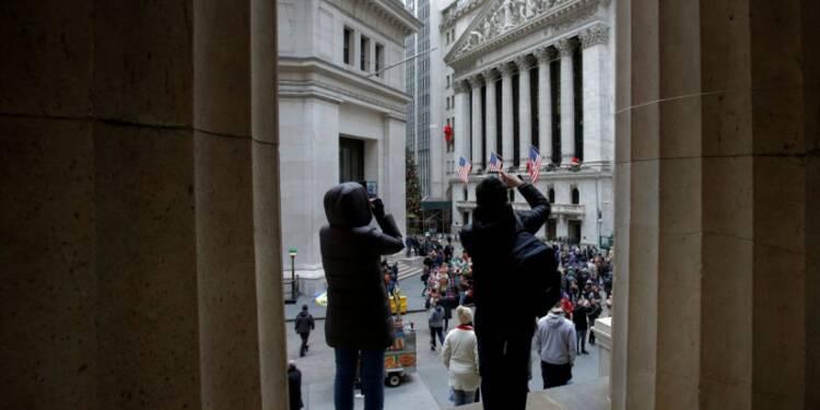 Wall Street finit de justesse en hausse avec Apple et la Fed