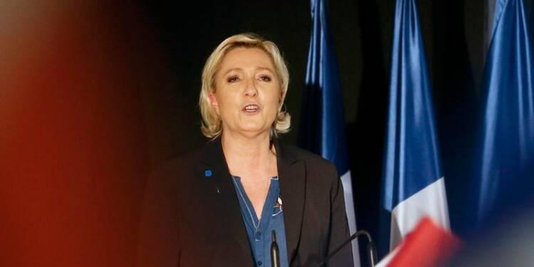 Marine Le Pen largement en tête au premier tour, selon un sondage OpinionWay