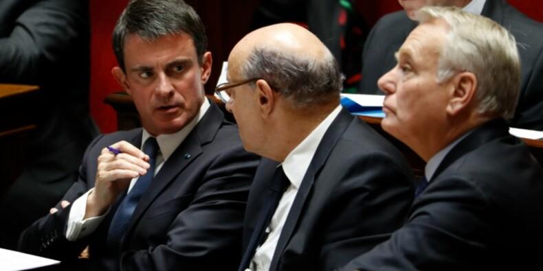 Chantiers de Saint-Nazaire: l'Etat veillera au choix du repreneur, assure Valls