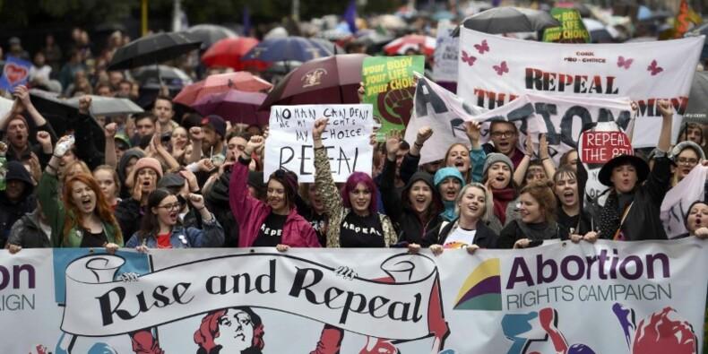 Manifestation à Dublin pour une libéralisation de l'avortement