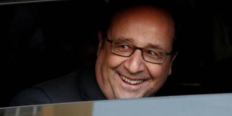Hollande annonce un plan pour l'intelligence artificielle