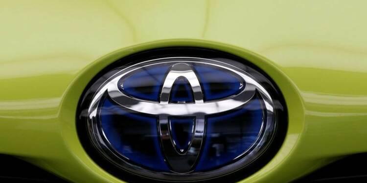 Toyota est plus optimiste, les économies compensent le yen fort