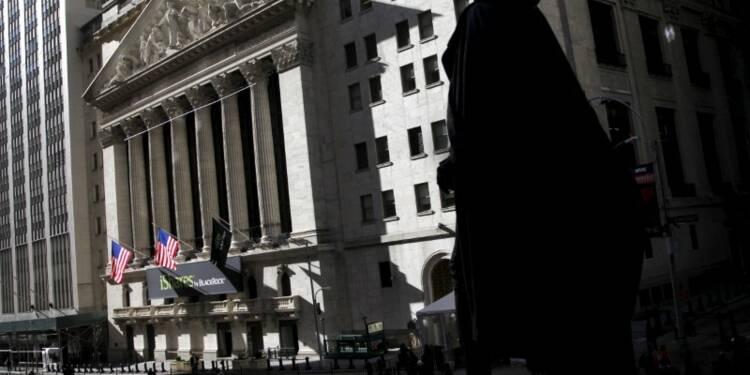 Wall Street se stabilise près de ses records historiques