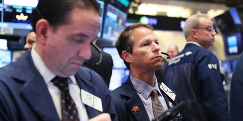 Wall Street finit en baisse, la présidentielle en ligne de mire