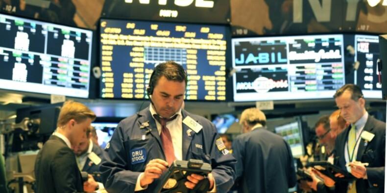 Wall Street termine en baisse, frilosité avant l'élection américaine
