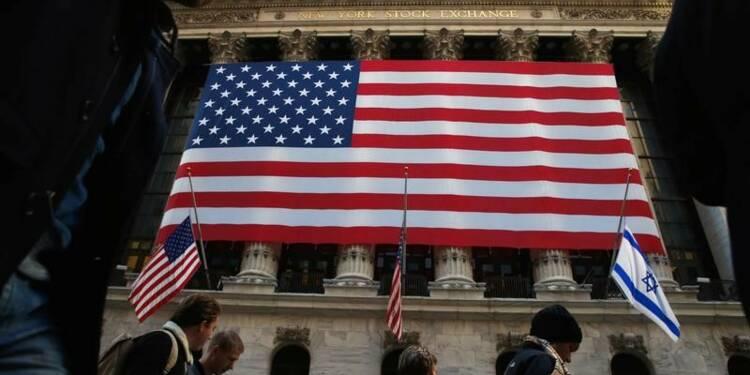 Wall Street ouvre en léger repli, les financières pèsent