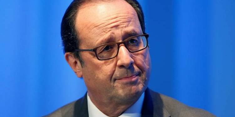 Un député LR veut engager la destitution de Hollande