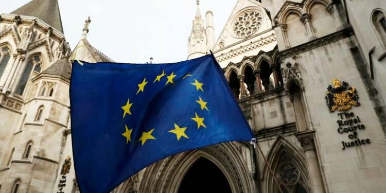 Le gouvernement britannique prend la défense de la justice