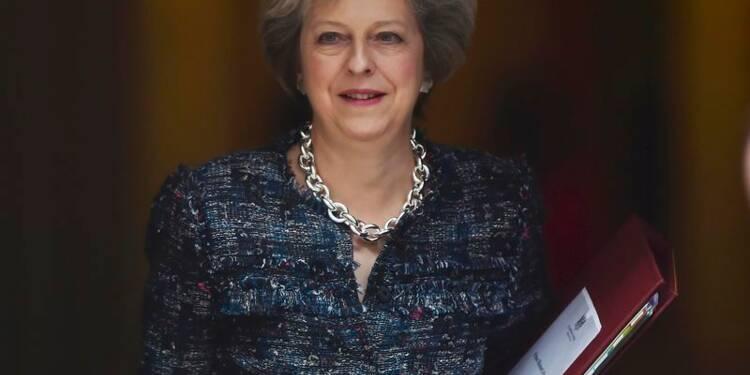 Theresa May dans la fosse aux lions du Conseil européen