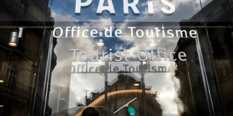 IDF: Pécresse annonce un plan pour relancer le tourisme