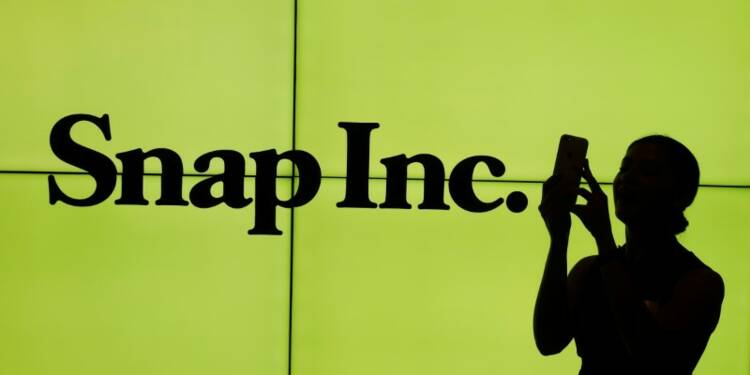Snap s'envole de près de 50% pour ses débuts boursiers