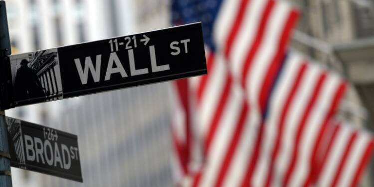 Wall Street finit en légère hausse, le Nasdaq à un niveau record