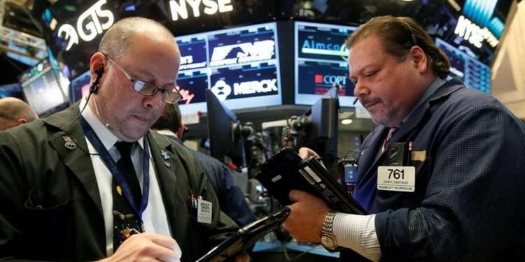 La présidentielle et Apple pèsent sur Wall Street