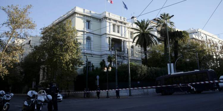 L'ambassade de France à Athènes visée par un jet de grenade