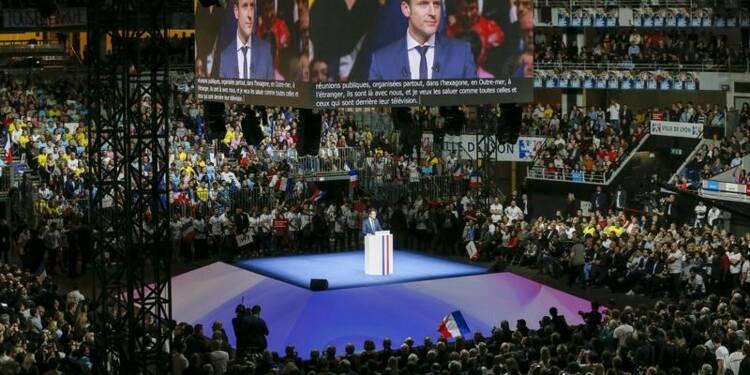 Macron invite en France chercheurs et sociétés en butte à Trump