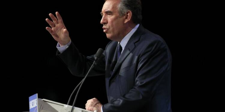 """Bayrou impute les attaques des sarkozystes à la """"panique"""""""