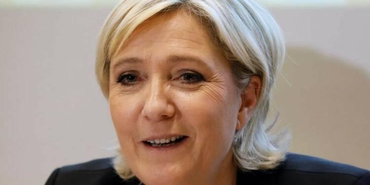 Le Pen et Macron creusent l'écart avec Fillon, d'après un sondage Elabe