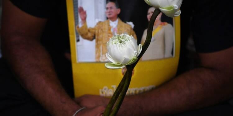 Le Japon prêt à aider ses entreprises en Thaïlande si le décès du roi heurte l'économie