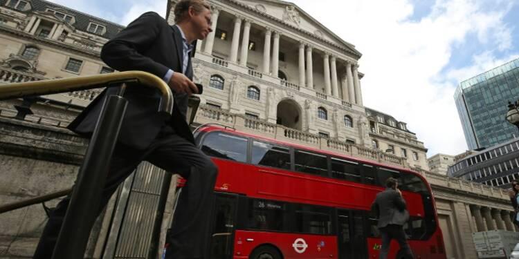 La banque d'Angleterre baisse son taux face aux risques du Brexit