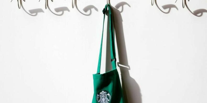 Starbucks abaisse sa prévision de CA, le titre baisse